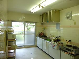 女性専用シェアハウス - カンセイホーム美里の共用キッチン